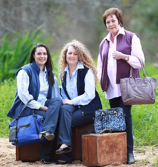 Ladies dressed by Lashies
