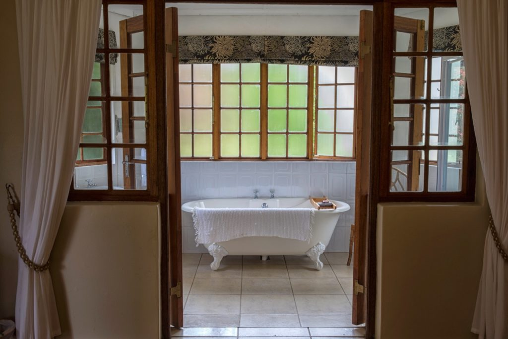 Beverley-Country-Cottage-bathroom