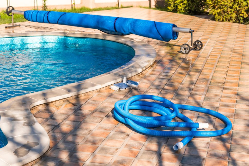 pool cleaning equipment 1