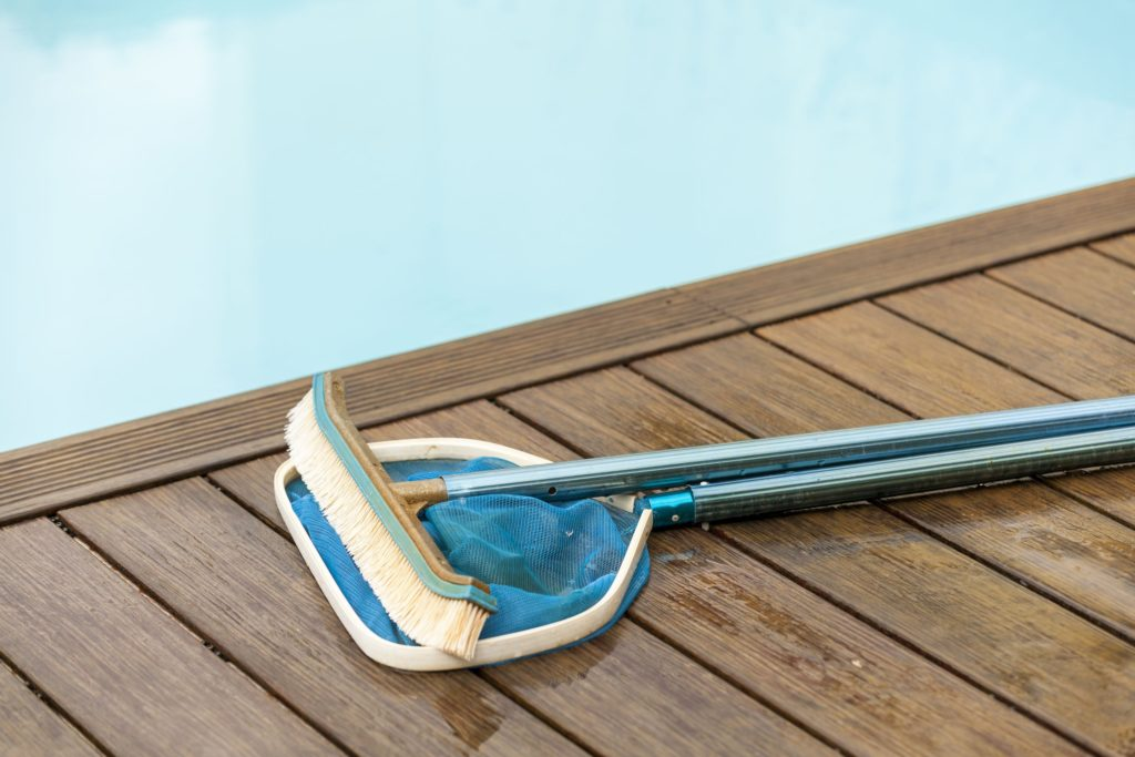 pool cleaning equipment 2