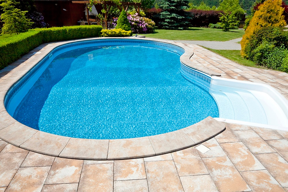 Kleen a pool