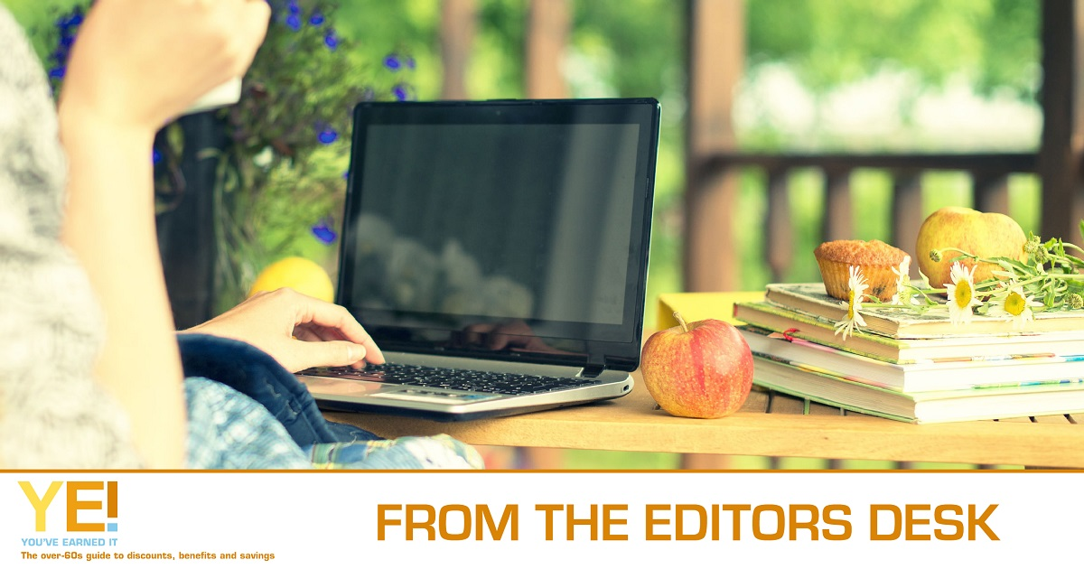 Editor desk - 1200