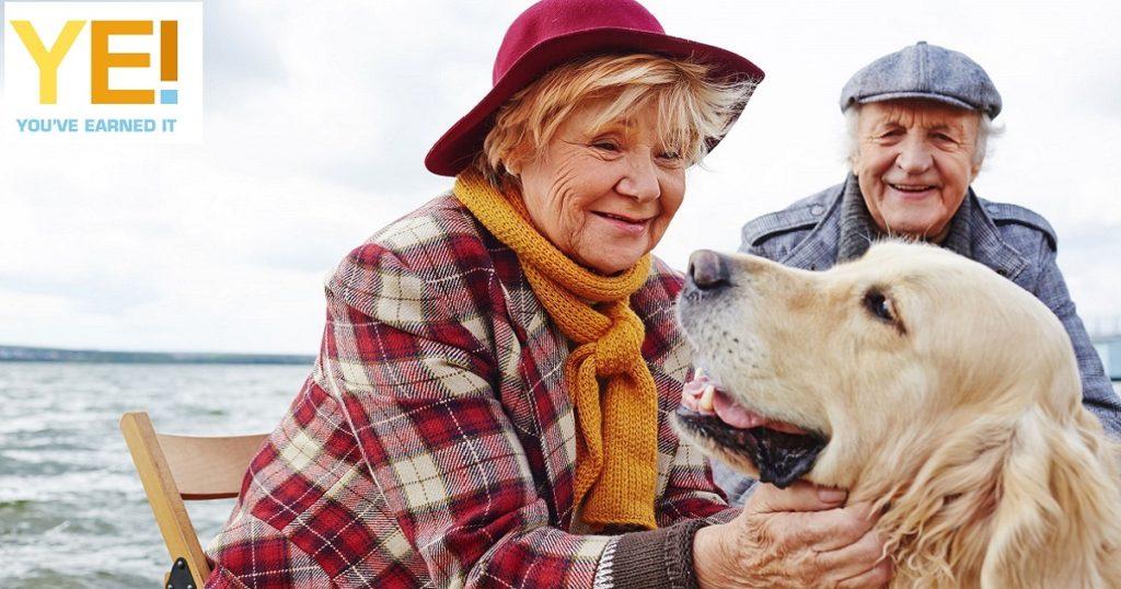 seniors with dog 1200