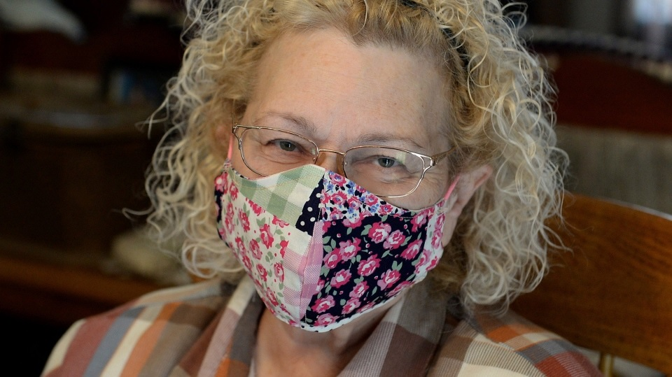 woman in homemade mask