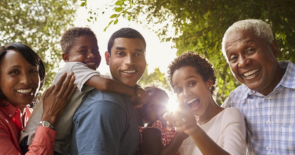 Multigenerational family 1200